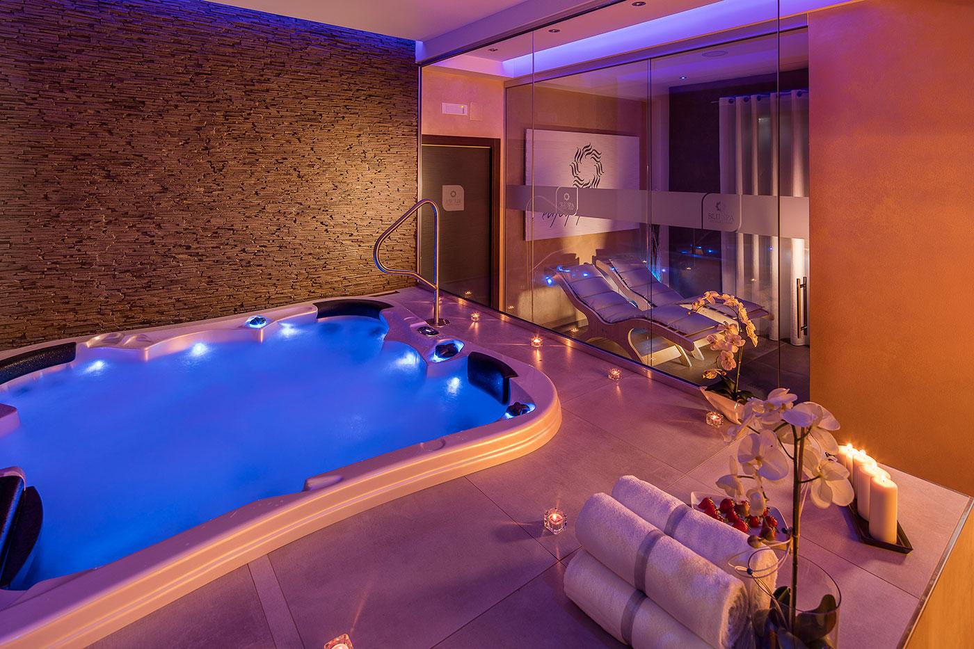 Blu spa centro benessere - Spa con piscina in camera ...